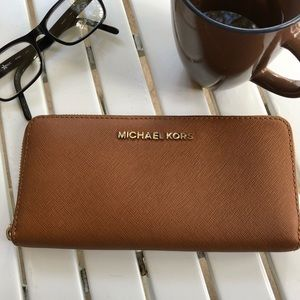 Michael Kors Saffiano Leather Wallet EUC